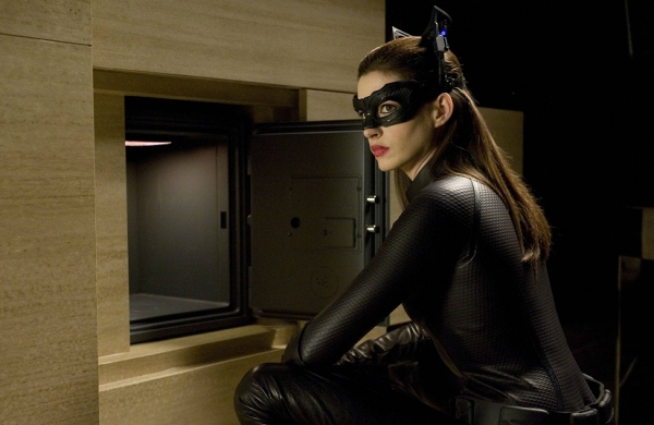 the dark knight rises catwoman selina kyle anne hathaway Movie Review: The Dark Knight Rises 